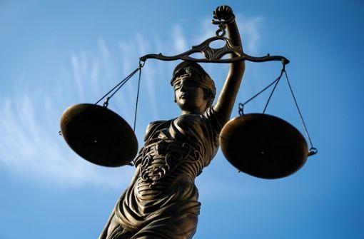 Opfer beschuldigt sich in Prozess um versuchten Mord selbst