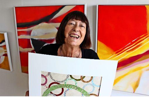 Die Malerin Almut Holtermann stellt zu ihrem 80. Geburtstag in Bad Cannstatt aus. Foto: Caroline Holowiecki