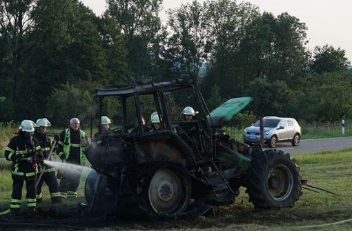 60-jährige Fahrerin rettet sich auf Wiese