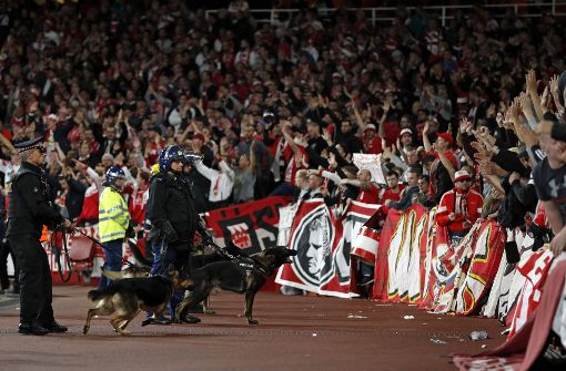 Fans des 1. FC Köln sorgen für verspäteten Anpfiff