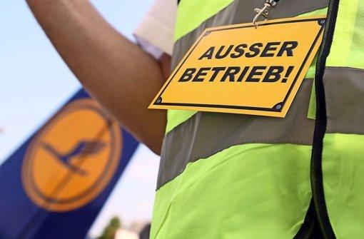 Flugbegleiter rufen Streik-Woche aus
