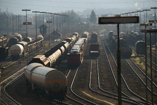 Nach dem Unfall dreier Güterwaggons am Bahnhof Stuttgart-Feuerbach haben wir uns in Kornwestheim umgeschaut - dort begann die Geisterfahrt der Waggons. Klicken Sie sich durch unsere Bildergalerie: Foto: www.7aktuell.de/Eyb