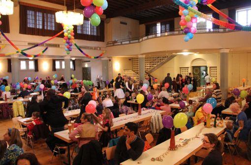 Schon vor Beginn der veranstaltung war die Festhalle schon gut gefüllt. Foto: Torsten Ströbele