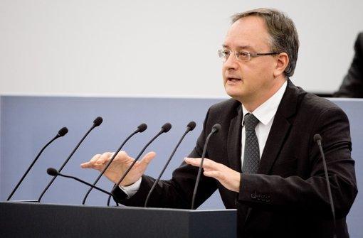 Bildungsminister Andreas Stoch (SPD) will die Diskussion über den Bildungsplan versachlichen. Foto: dpa