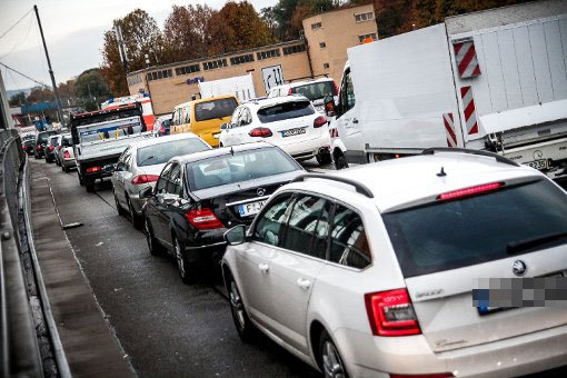 Verkehr beruhigt sich nach Stunden wieder