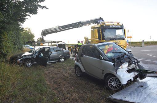 Smart dreht sich um 180 Grad: Drei Personen sind verletzt