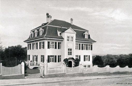Die weiße Villa an der Löwenstraße steht heute noch. Foto: privat
