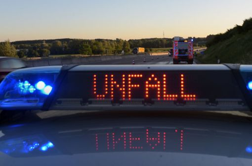 Polizei sucht nach Unfall auf der A81 Zeugen