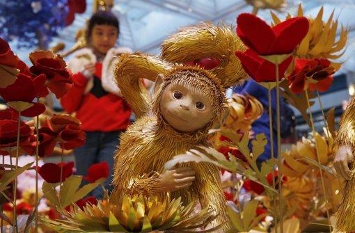 Chinesisches Neujahr: Menschen feiern das Jahr des Affen - Panorama ...