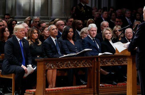 Trump, Obama, Clinton, Carter: Alle lebenden US-Präsidenten und ihre Frauen nahmen Abschied von George H.W. Bush. Foto: AFP
