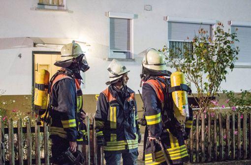 Spanplatten im Ofen führen zu Feuerwehreinsatz