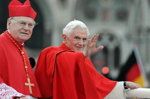 """Oft genannt wird der Mailänder Erzbischof bAngelo Scola/b. Der 71-Jährige aus der Lombardei ist ein geschätzter Theologe und vor allem auch ein Mann des interreligiösen Dialogs. Scola steht dem scheidenden Papst Benedikt nahe, der ihn zum Erzbischof im wichtigen Erzbistum Mailand machte. Der Italiener galt bereits 2005 als """"papabile"""" (papsttauglich), als dann Joseph Ratzinger zum Kirchenoberhaupt gewählt wurde. Als Erzbischof hat Scola wohl noch größere Chancen. Foto: dpa"""