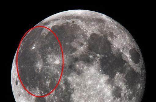"""Der """"Oceanus Procellarum"""" (lateinisch """"Ozean der Stürme"""") ist eine große, unregelmäßig geformte Marefläche (dunkle Tiefebenen des Mondes) auf dem Erdtrabenten, im westlichen Teil der erdzugewandten Mondseite. Foto: Wikipedia commons/Silvercat CC BY-SA 3.0"""