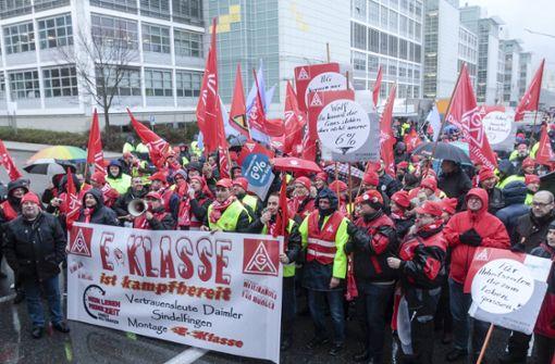 Tausende Mitarbeiter legen Arbeit nieder