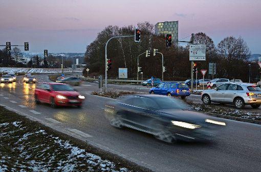 Verkehr fließt durch Nellingen