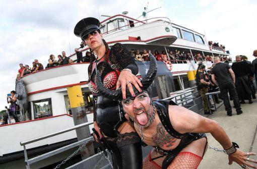 Lack- und Lederfans feiern auf dem Bodensee
