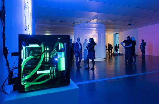 """In der Ausstellung """"Mixed Realities"""" im Kunstmuseum Stuttgart werden bis zum 26.August virtuelle und reale Welten in der Kunst gezeigt.  Foto: Hanahana"""