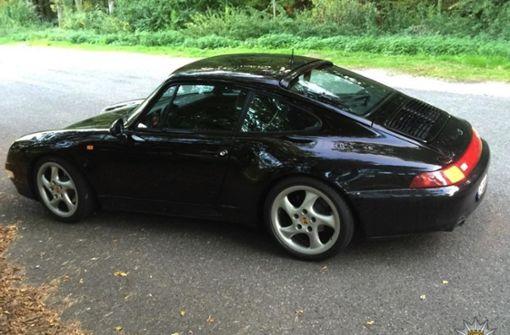 Der zweite Porsche ist schwarz und ebenfalls aus der 911er Reihe. Foto: Polizeipräsidium Ludwigsburg