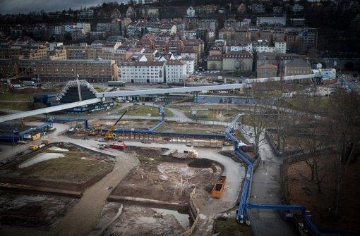 Der Verein, der über Stuttgart 21 – hier die Baustelle im Schossgarten – informiert, hat einen neuen Sprecher Foto: Lichtgut/Achim Zweygarth