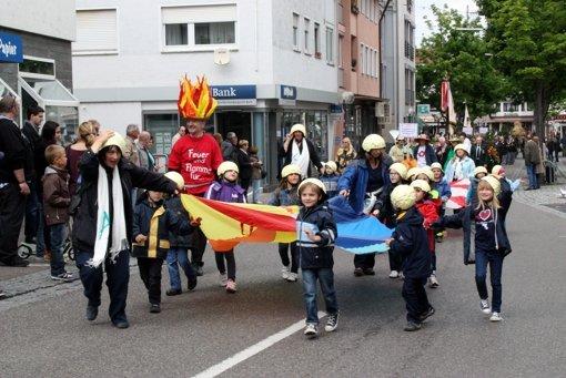 125 Jahre Feuerwehr Schmiden Beim Feiern Spritzt Und Raucht Es