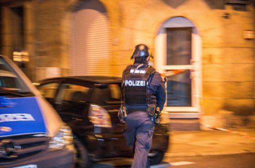 Mann gibt mehrere Schüsse ab – Großeinsatz der Polizei