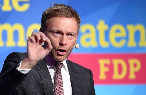 FDP-Chef Lindner: Özil soll deutsche Hymne mitsingen