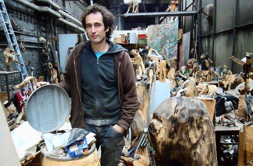 Im Atelier von Thomas Putze hat sich einiges angesammelt. Foto: Ina Schäfer
