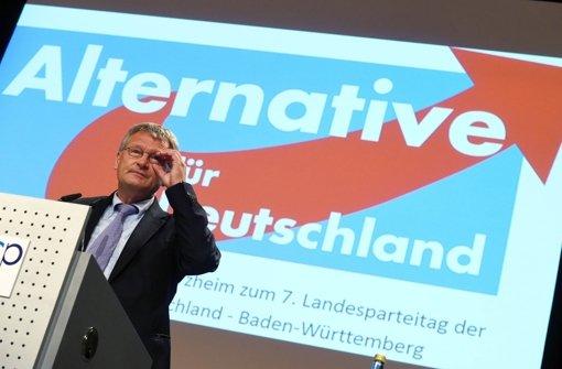Jörg Meuthen, der AfD-Spitzenkandidat für die Landtagswahl, distanziert sich von den Äußerungen der Parteichefin zum Schusswaffengebrauch gegen Flüchtlinge. Foto: dpa