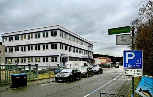 In das  in Anlehnung an das vorbeifließende Flüsschen  Körsch 41 genannte  Gebäude sollen im Sommer Flüchtlinge einziehen. Foto: Horst Rudel