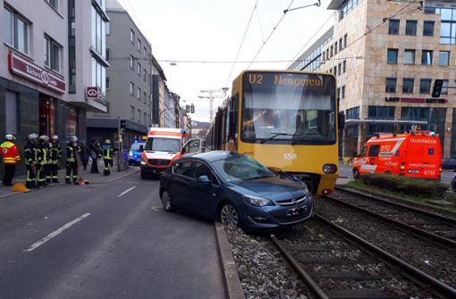 Der Unfall hat den Stadtbahnverkehr rund um den Berliner Platz erheblich behindert.  Foto: 7aktuell.de/Jens Pusch