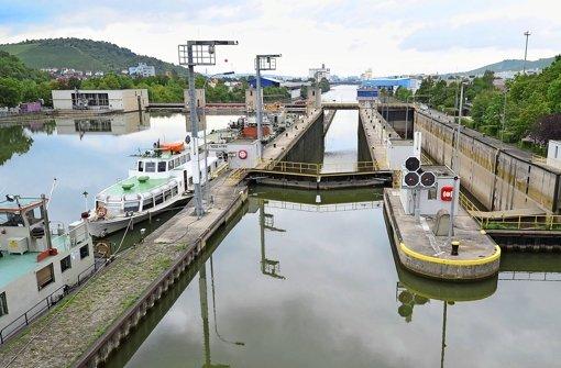 Unbekannter Toter im Neckar