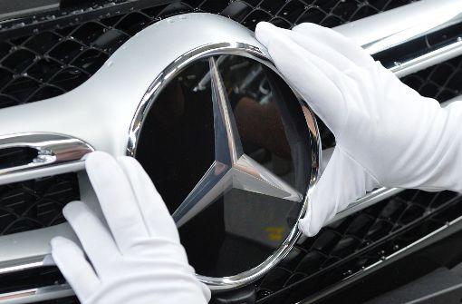 Hier glänzt der Mercedes-Stern. Mit der Investition in das amerikanische Start-up Auto Gravity sieht der Autobauer nach eigenen Angaben in der digitalen Welt einen neuen Stern aufgehen. Foto: dpa