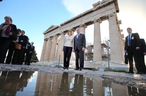 b5. März 2014:/b Daniela Schadt und Joachim Gauck auf Besuch in Griechenland. Foto: dpa