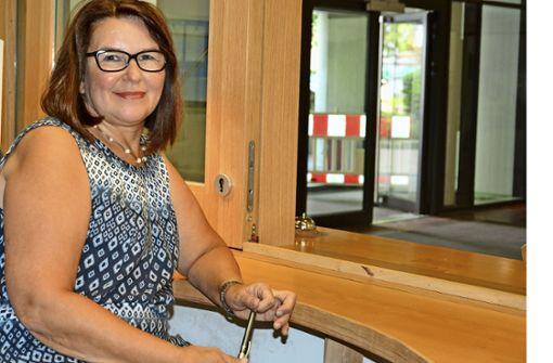 Renate Zürn arbeitet als Justizfachwirtin unter anderem an der Infothek des Amtsgerichts in der Badstraße. Foto: