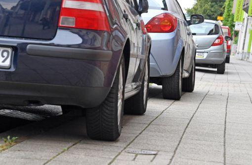 Gehwegparker sollen mehr Strafe zahlen