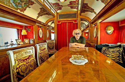 Besuch im Wohnwagen des Unterhaltungsmillionärs Bernhard Paul