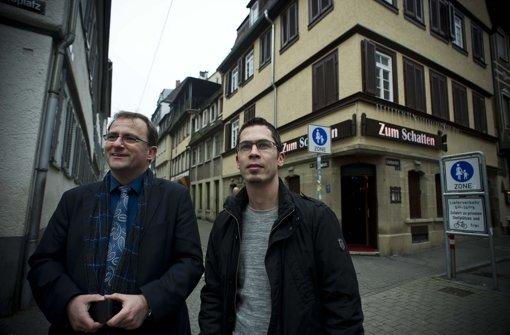 Steffen Kern (links) und Stefan wollen in der Animierbar Zum Schatten eine Anlaufstelle für Prostituierte einrichten Foto: Lichtgut/Max Kovalenko