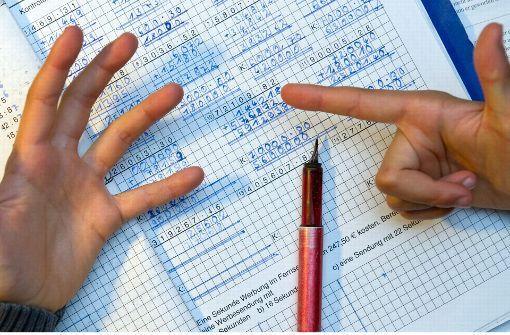 Mädchen bittet Polizei um Hilfe bei Mathe-Hausaufgaben