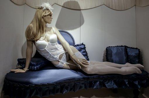 Wer kauft reizvolle Unterwäsche? Eher die Männer oder doch die Frauen? Foto: Lichtgut/Leif Piechowski