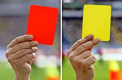 Schiedsrichter nach Platzverweis  verprügelt