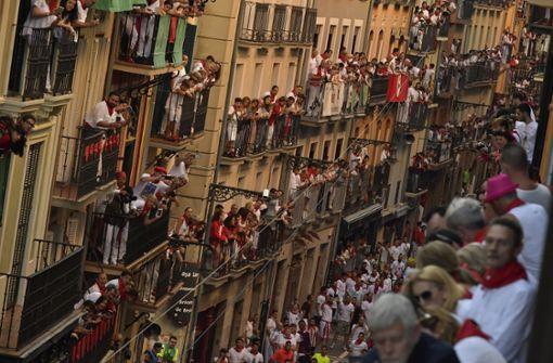 Tausende Schaulustige verfolgten das Spektakel. Foto: AP