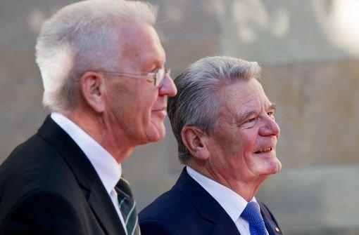Gauck besucht das Grab von Heuss