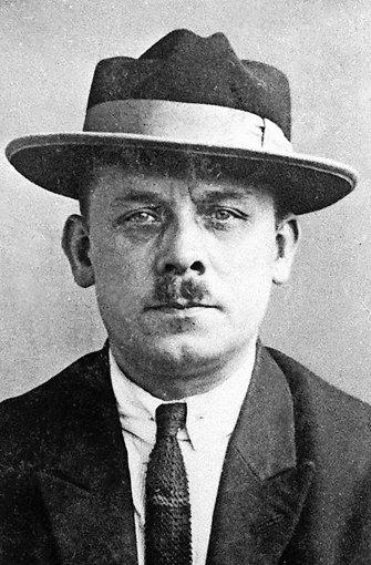 Fritz Haarmann (1879-1925): Der Deutsche wurde 1924 wegen Mordes an 24 Jungen und jungen Männern im Alter von  zehn bis 22 Jahren  zum Tode verurteilt. Foto: Polizeigeschichtliche Sammlung/dpa