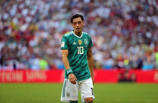 Mesut Özils Rücktritt rief viele Reaktionen hervor – wir haben die Pressestimmen zusammengestellt. Foto: dpa