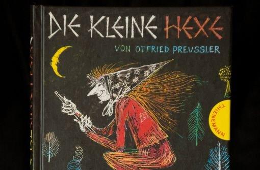 """Die kleine Hexe oder Räuber Hotzenplotz"""" sind Klassiker der Kinderbuch-Literatur. In unserem Quiz testen wir Ihr Wissen: Wie gut kennen Sie sich aus zwischen der Burg Eulenstein und dem Mühlenweiher?  Foto: dpa"""