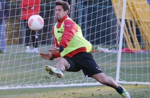 bRani Khedira/bbr defensives Mittelfeld, 18 Jahrebr Vertrag bis 2013br Geschätztes Gehalt: 0,2 Millionen Euro Foto: Pressefoto Baumann