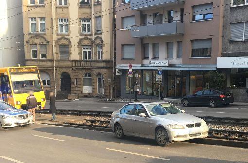 BMW landet in Stadtbahngleisen
