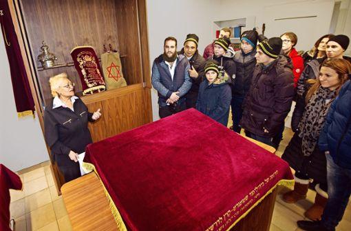 Die  Synagoge Im Heppächer war eine Station auf dem Stadtrundgang, bei dem israelische und deutsche Sportler den Spuren des jüdischen Esslingens folgten. Foto:Ines Rudel Foto: