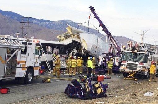 Mehrere Tote bei Busunglück