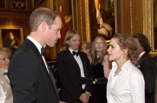 Prinz William ruft und die Promis kommen: Der Herzog von Cambridge im Gespräch mit Schauspielerin Emma Watson. Foto: Getty Images Europe